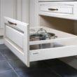 Dyskretnie ukryte. 9 kroków do zorganizowanego przechowywania w domu